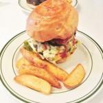 エスビーダイナー神戸(SB DINER-KOBE)の肉感しっかりバーガーは並んでも食べたい美味しさ!