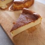 めっちゃ簡単!人気のベイクドチーズケーキのレシピ【ミキサーで混ぜるだけ!】