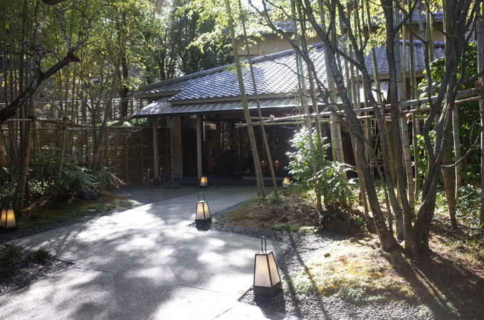 欽山の玄関