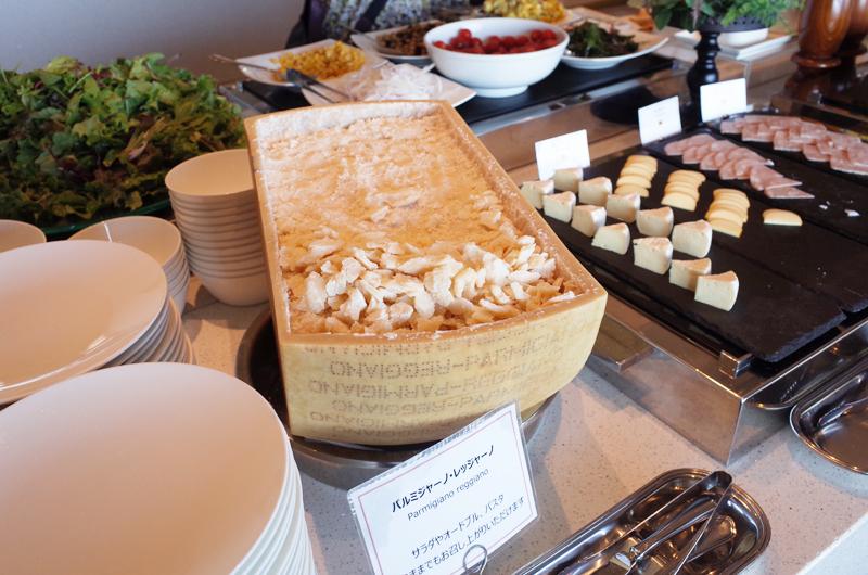 日本平ホテルの朝食ビュッフェ チーズ