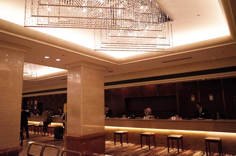 京王プラザホテル新宿のフロント
