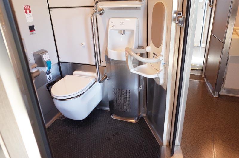 特急くろしおのトイレ