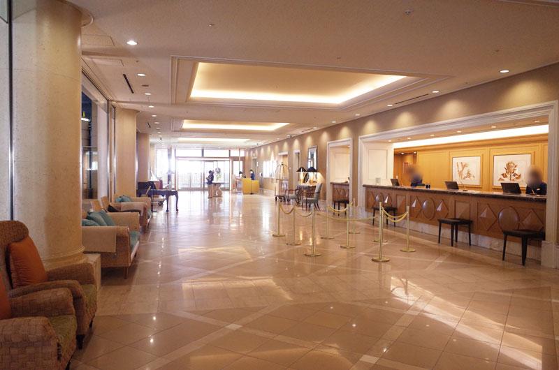 神戸メリケンパークオリエンタルホテルのフロント
