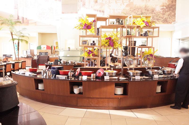 神戸メリケンパークオリエンタルホテルの朝食バイキングカウンター