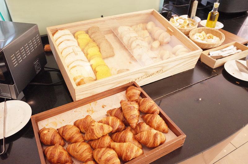 神戸メリケンパークオリエンタルホテルの朝食バイキングのパン