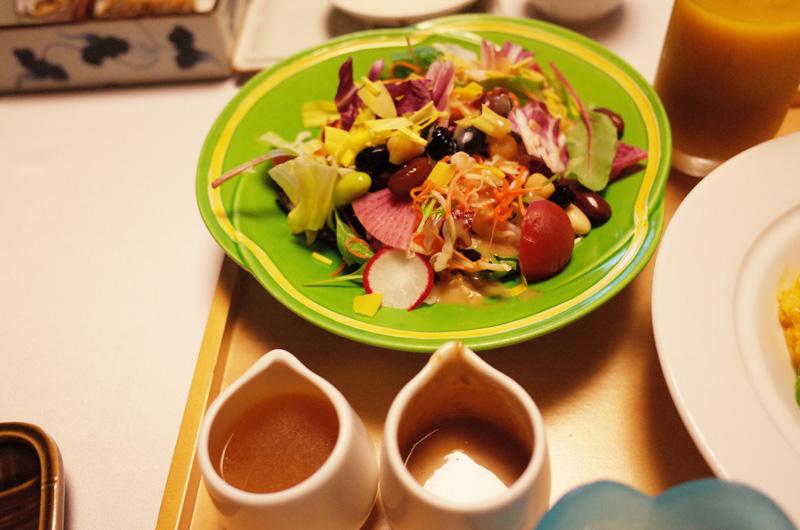 中の坊瑞苑の朝食 洋食のサラダ